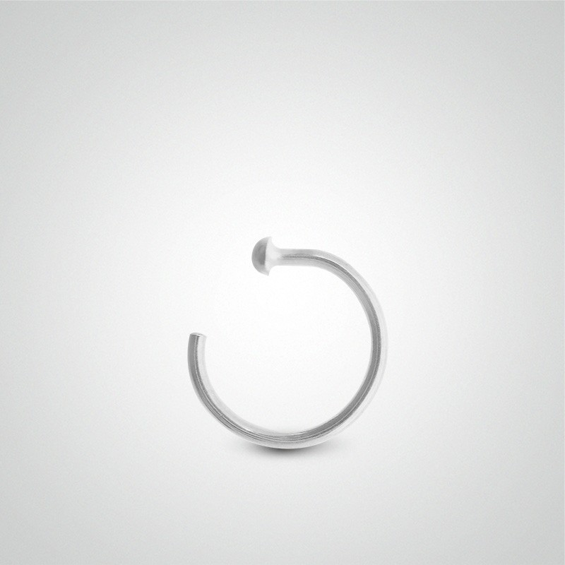 18 Carats White Gold Nose Ring